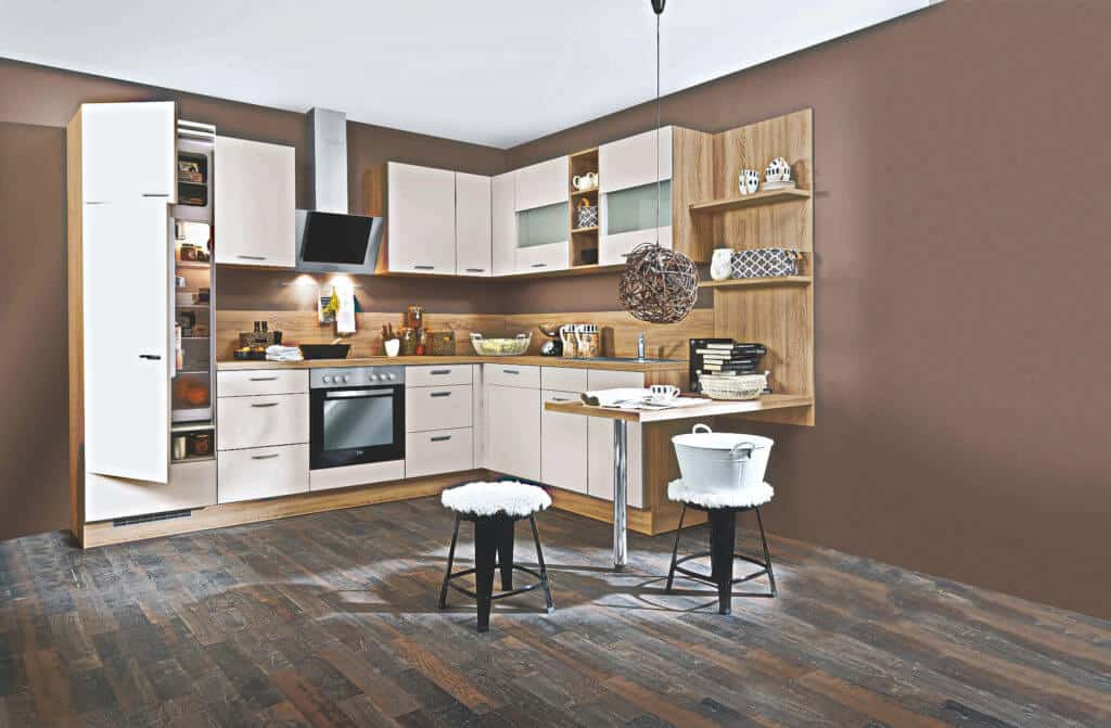 L Küche Sandbeige Holzelemente