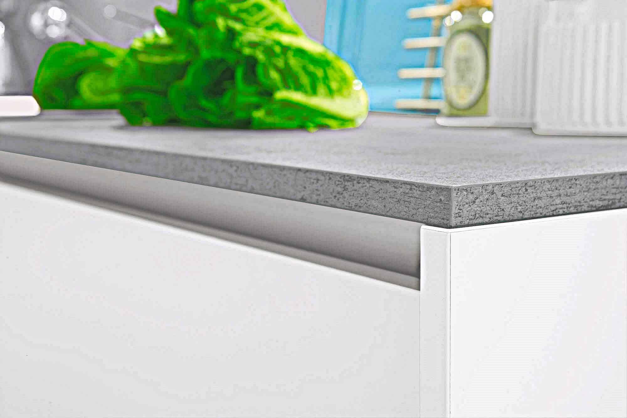 Küchen nach Oberflächen-Fronten