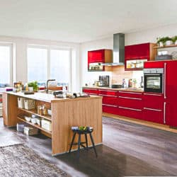 Klassische Küche mit Inselküche