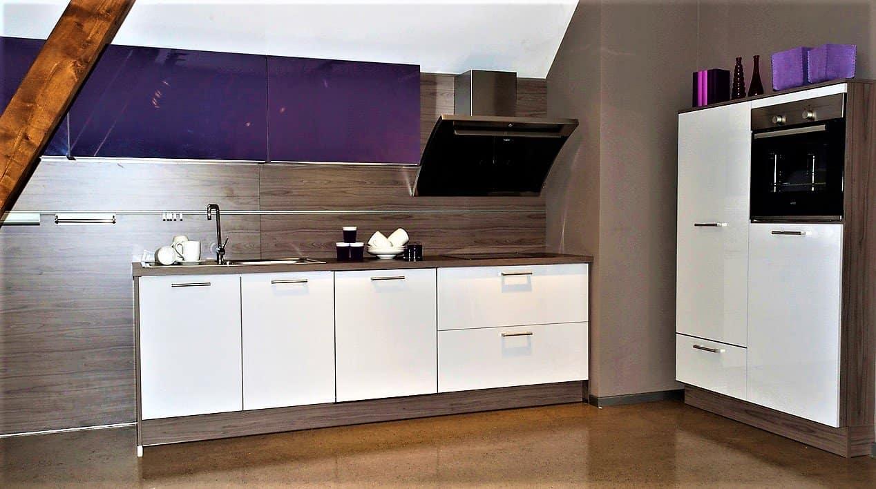 Kleine küchenzeile günstig  Lila Küchen auf 7000m2 Austellungsfläche günstig kaufen - Küchen Börse
