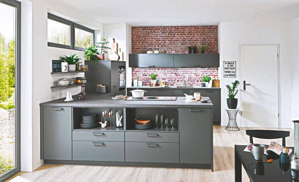 Moderne große graue U Küche