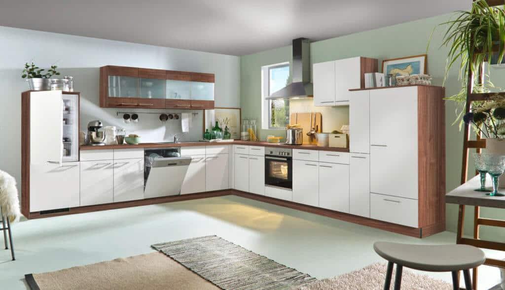 Große weiße L Küche