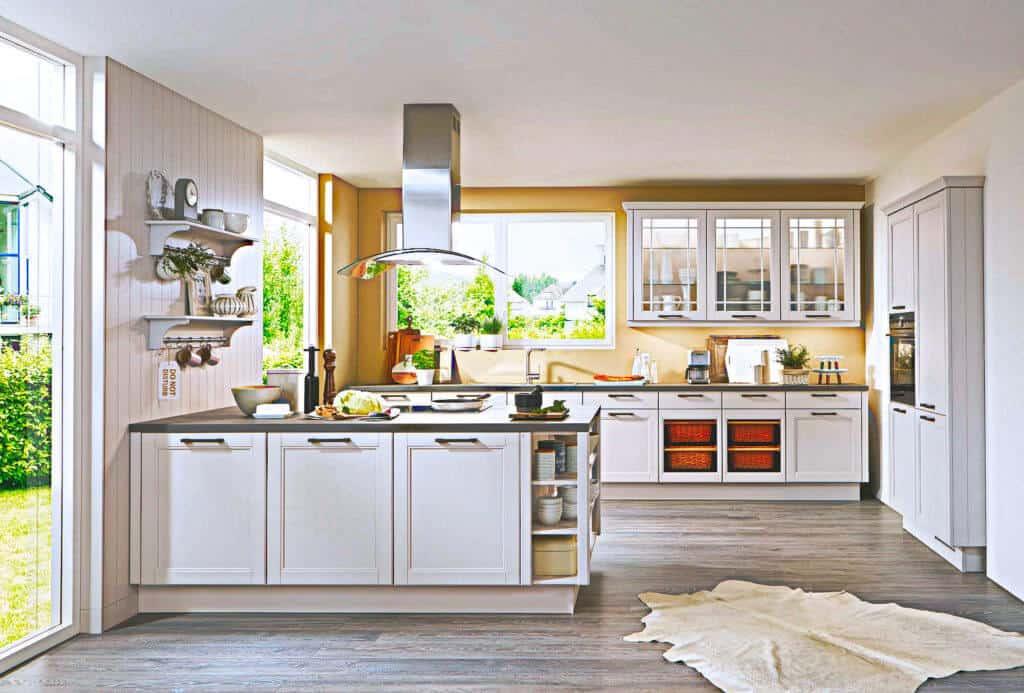 Große Landhaus Küche