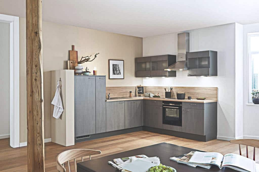 Kleine L Küche in Anubis Farbe