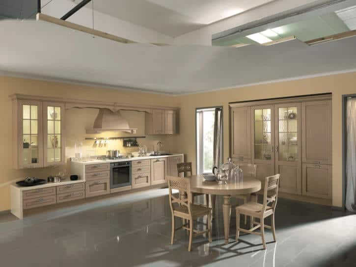 ARAN Imperial Küchenzeile aus hellem Massivholz mit Wandschrank