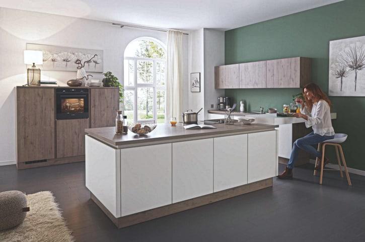 Große Insel U Küche weiß 1