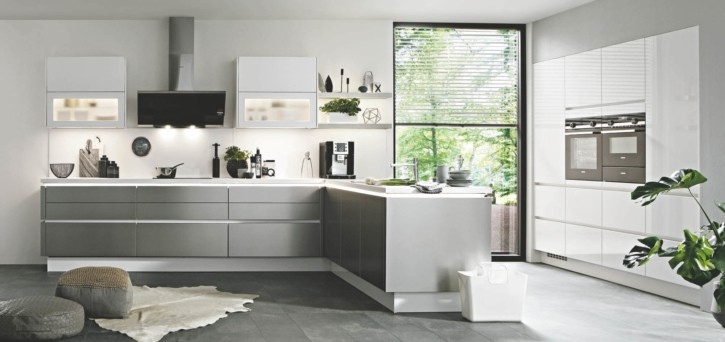 Große Alpinweiße Stahl Nobilia L Küche 1
