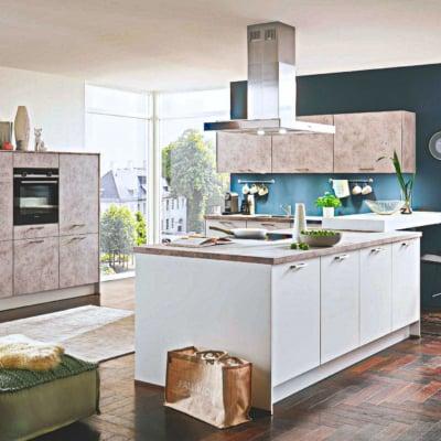 Moderne Küche mit Mittelinsel 31