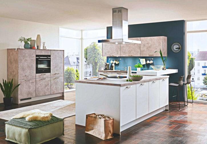 Moderne Küche mit Mittelinsel 1