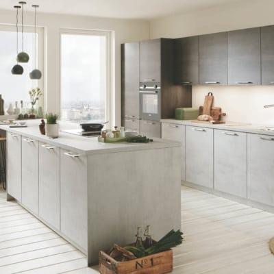 Betongraue Nobilia Inselküche mit Küchenzeile 19