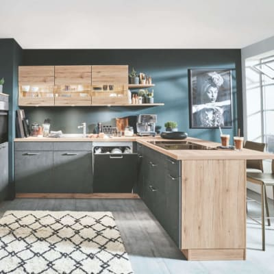 Grauschiefer U Küche mit San Remo Eiche Elementen 83