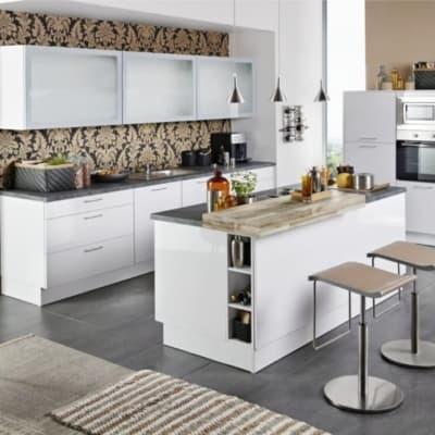 Große Küche Polarweiß Hochglanz mit Mittelinsel 67