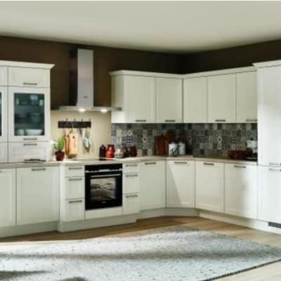 Große Landhaus Küche Weiß 15