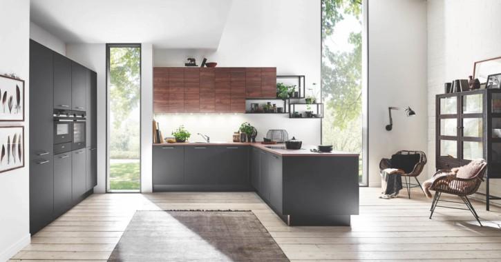 Große Schwarze Nussbaum U Küche 1