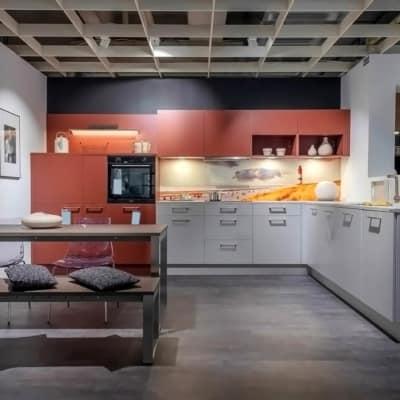 Nolte L Küche Platingrau Softmatt mit Akzenten in Hennarot 19