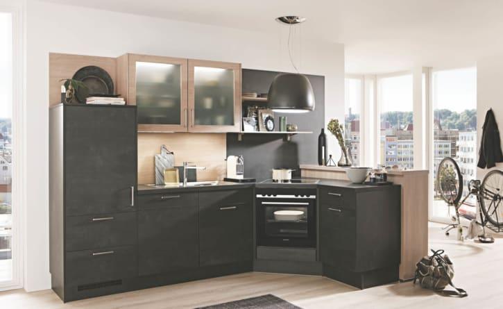 L Küche in Schwarzbeton 1