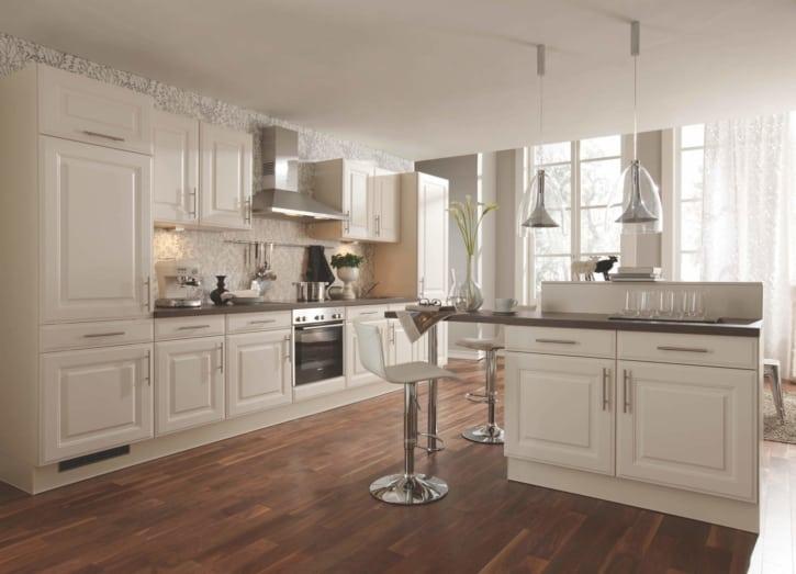Magnolien Küche im Landhaus Stil 1