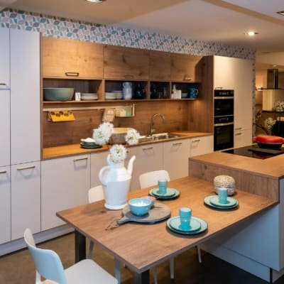 Nolte Küche Lichtgrau Steineiche mit Mittelinsel 95
