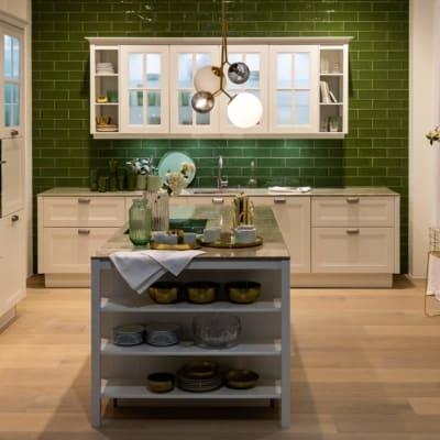 Nolte Landhausstil U Küche Weiß Avocado softmatt 109