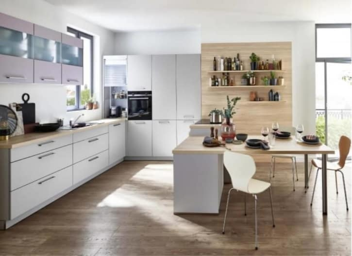 Nolte U Küche Platingrau Lavendel mit Tisch 1