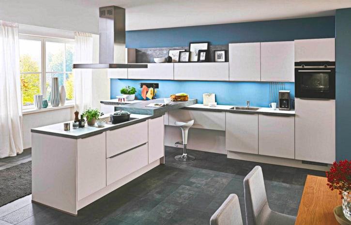 Große U Küche mit Insel weiß 1