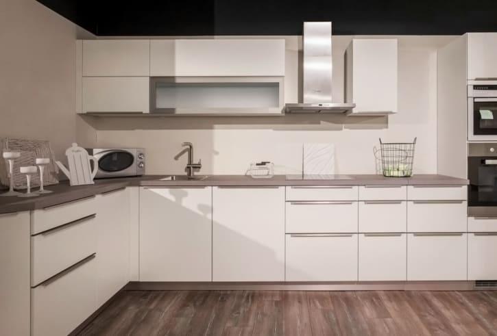 Bauformat L Küche Weiß Seidenmatt 1