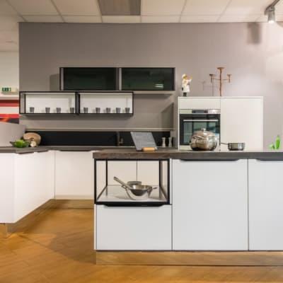 Nobilia Inselküche Focus Alpinweiß Hochglanz